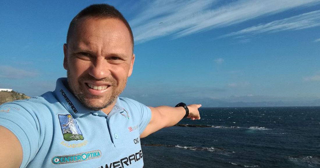 Ούγγρος κολυμβητής υπεραποστάσεων και κάτοχος του Oceans Seven, Attila Manyoki